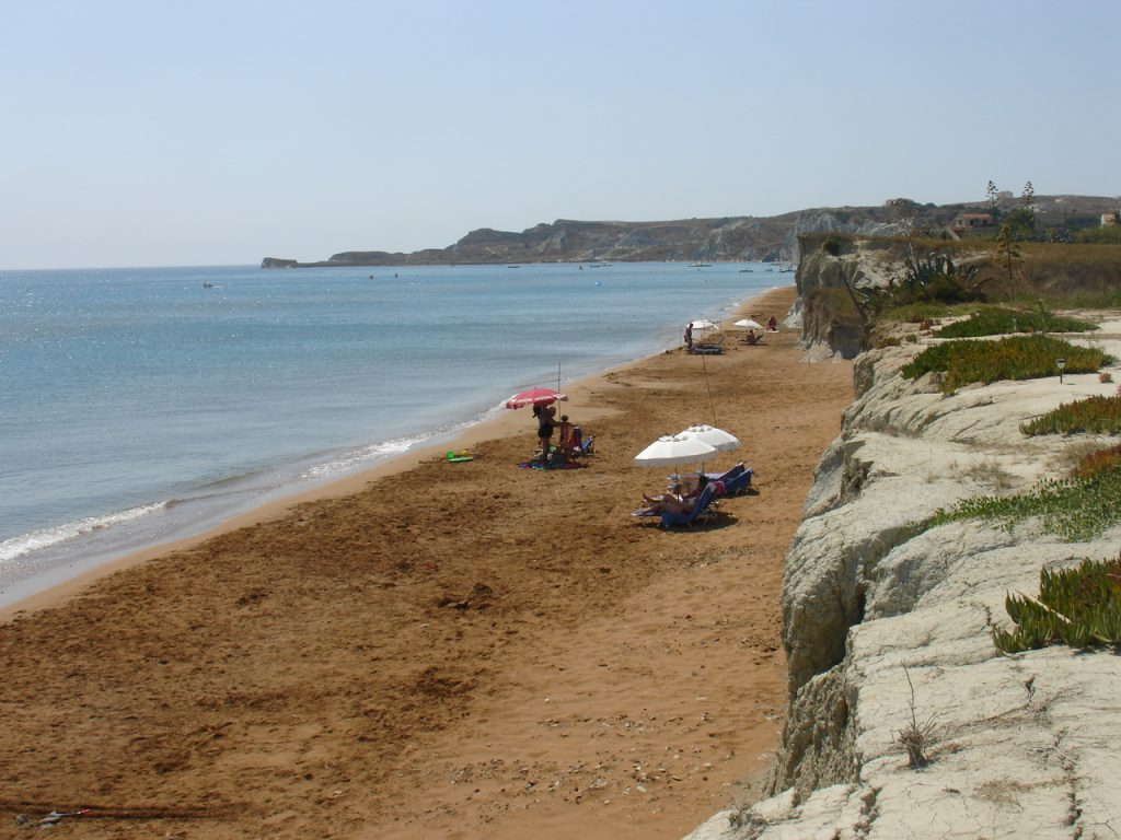 Beaches by boat Megas Lakos