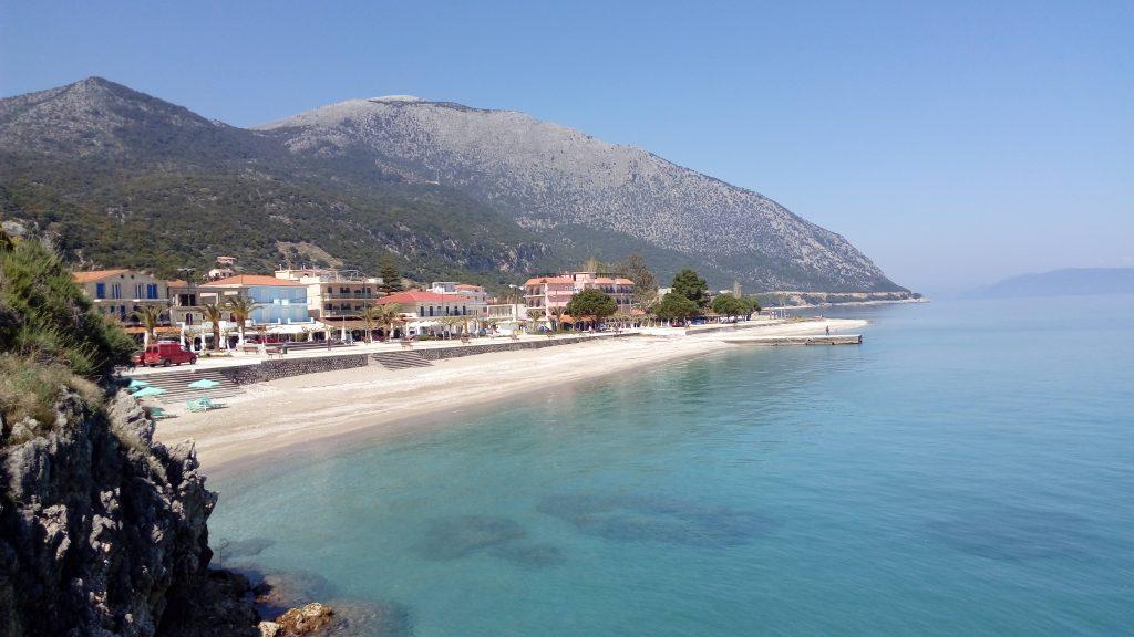 Poros town beach