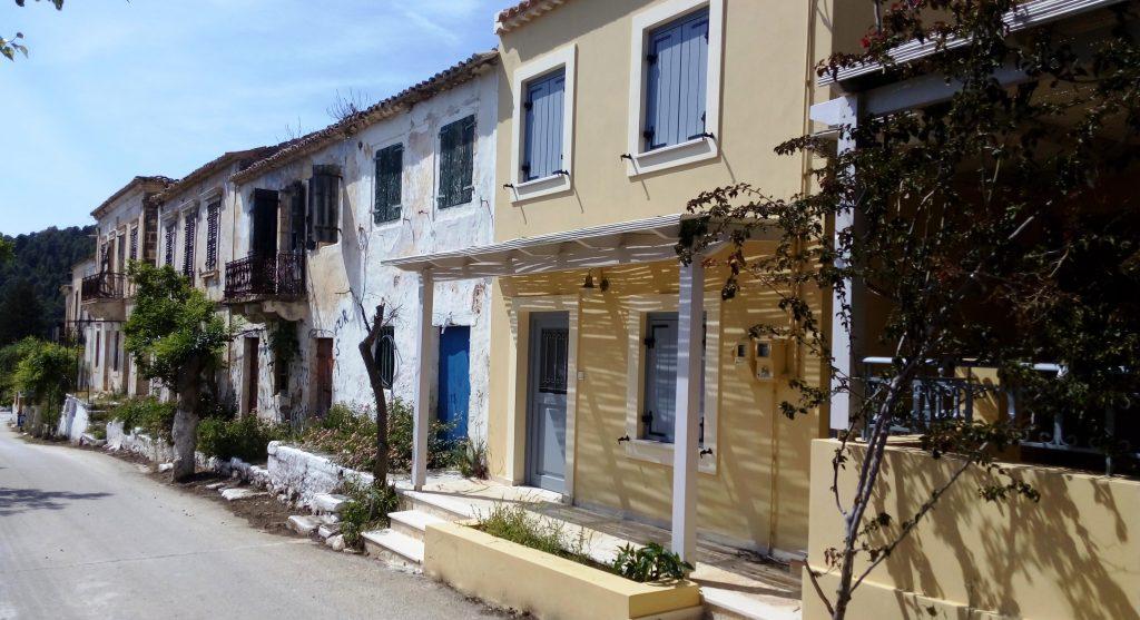 Alte Häuser in Assos, Kefalonia
