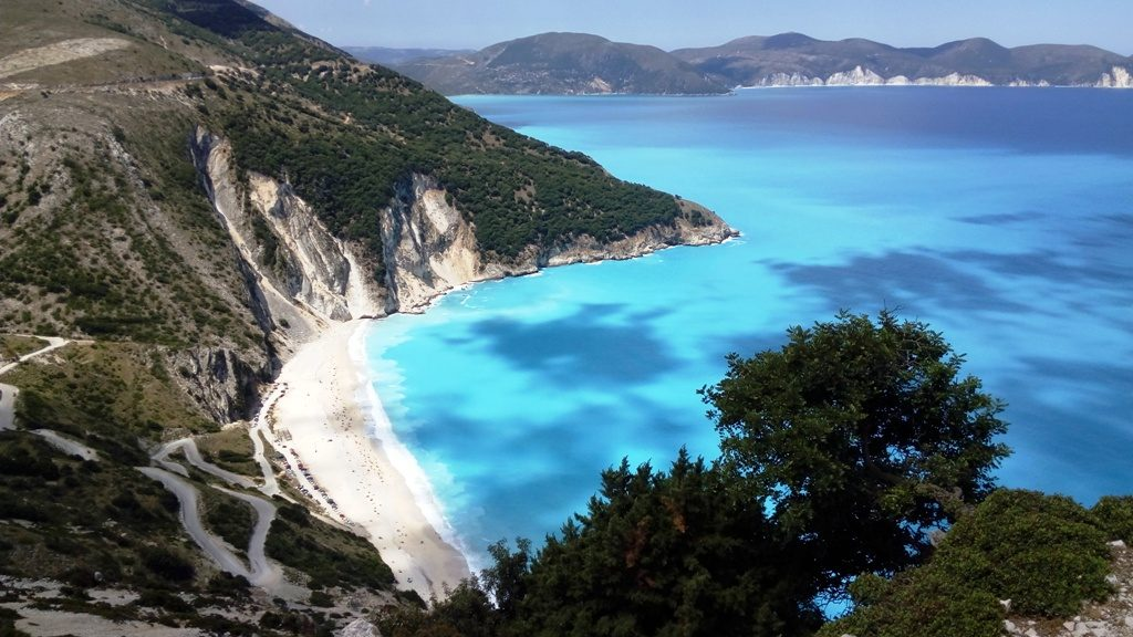 Local buses on Kefalonia to Myrtos