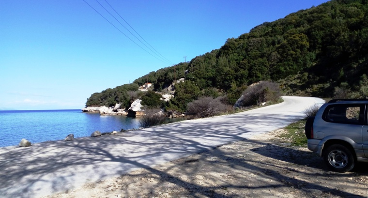 how to get to the Kefalonia waterfalls