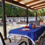 Joleni Cottage's patio