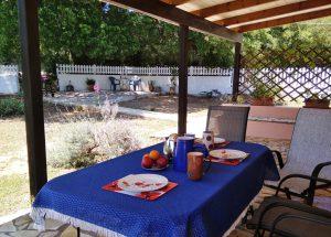 Terrasse und Garten Joleni Cottage