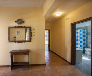 Geräumiger Eingangsbereich und Flur von Joleni Cottage Kefalonia